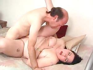 mega moms 5