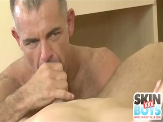 mature man gang-bangs amateur dude inside the ass
