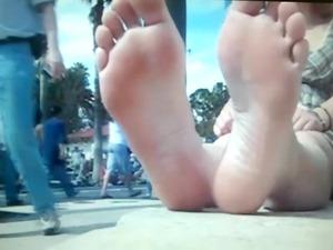 foot spy inside park 2