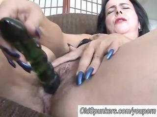 cougar young has a big orgasm