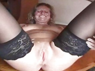 heavy older  bitch into nylons is a cumshots ho