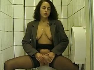 al fresco toilet fellatio and peeing with