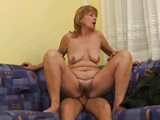 russian milf makes it with more amateur man