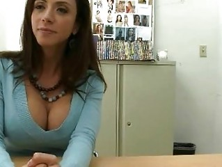 grownup brunette sells her figure  to large penis