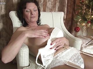 sweet british woman adores to masturbate