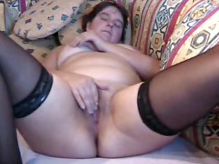 heavy mature babe pleases to orgasm