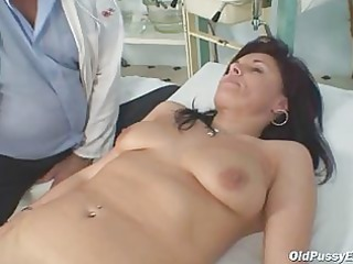 livie gyno lady pussy speculum exam on gynochair
