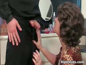 horny naughty mature bitch takes juicy kitty part6
