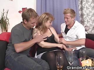 cocksucking woman is driving libido
