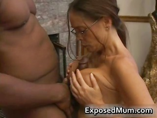 awesome mature babe in glasses deepthroating dark