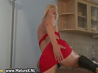albino grown-up woman massages her desperate part3