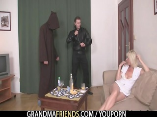 mature widow likes two libidos