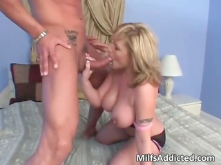 horny blond mature babe takes craving vagina part4