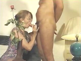 french mature babe licks his penis and gets