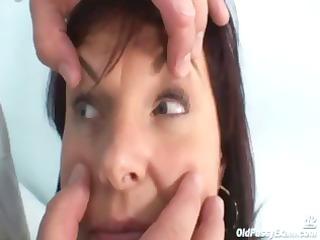 livie gyno woman kitty speculum exam on gynochair