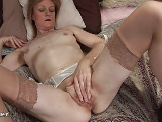 grandma jj obtains horny and nude on her obtain