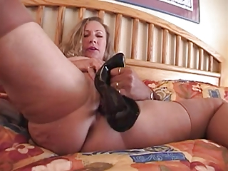 fucll style nylons older  horny with high heel