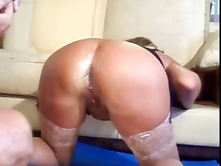 pale milf sticks out her ass enormously she can