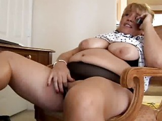 older  bbw fisting herself