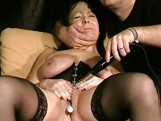 cougar bdsm and electro pain of italian slaveslut