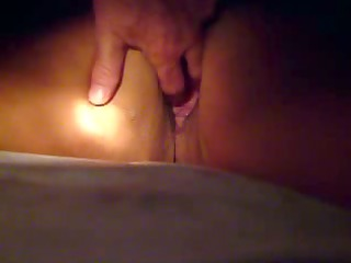 mature whore takes fingers