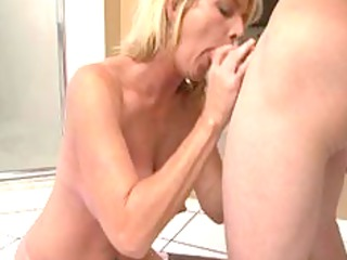 nice mature babe after bathroom