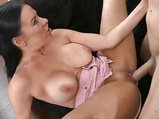 vanilla de ville sweetie woman obtain laid on bed