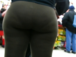 candid ebony spandex bubbled out woman donk of