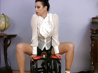 slutty clothed mature babe porn coach driving